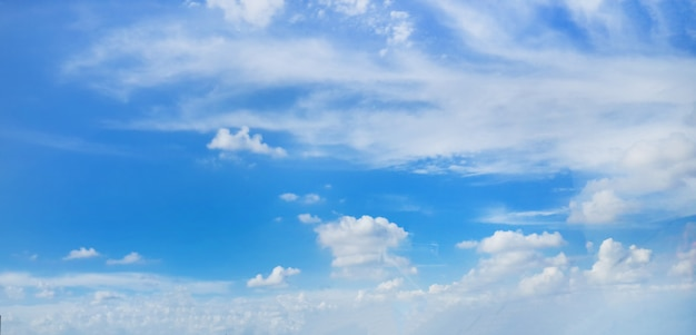 Beautiful clouds on blue sky background Free Photo