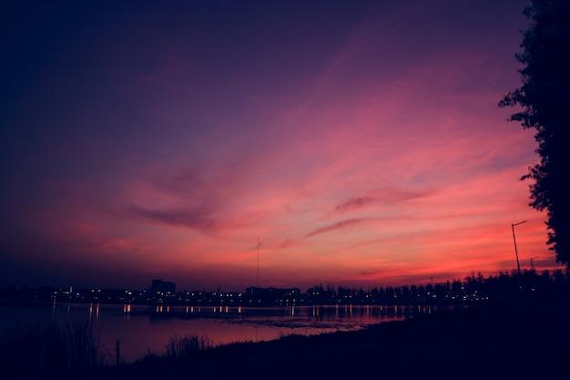 아름 다운 Cloudscape 일몰 저녁 새벽 무료 사진