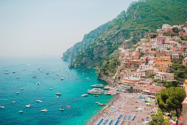 Beautiful coastal towns of italy - scenic positano in amalfi coast Premium Photo