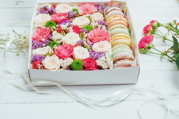 Beautiful colors of flowers and tasty bizet Premium Photo