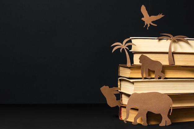 Красивая композиция из разных книг Бесплатные Фотографии