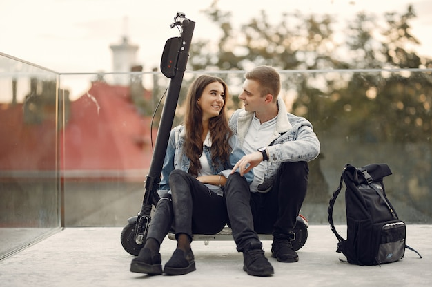 Beautiful couple spend time in the street Free Photo