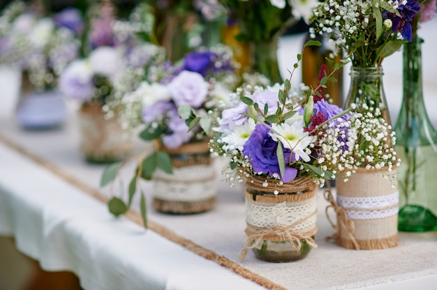 Beautiful decor of flowers at the wedding ceremony Premium Photo