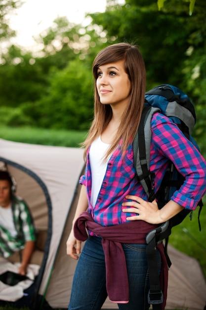 Красивая женщина-путешественница Бесплатные Фотографии
