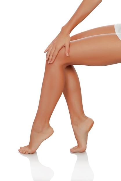 Beautiful female legs perfectly depilated Premium Photo