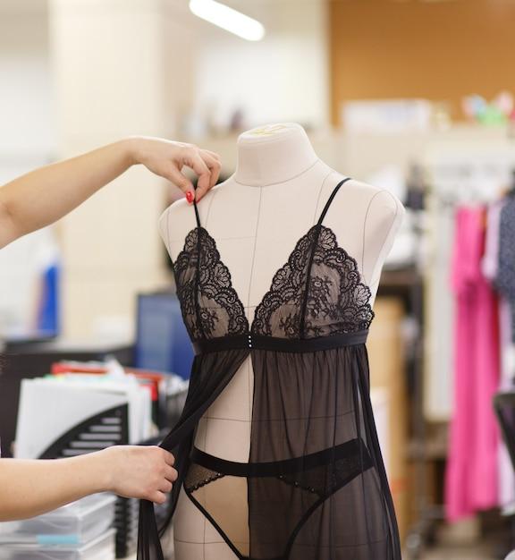 Красивое женское белье на манекенах женское нижнее сексуальное белье фото