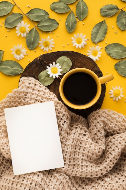 Beautiful floral concept with coffee Free Photo
