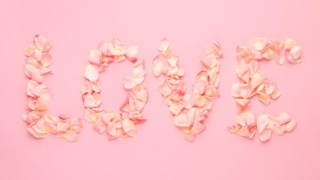 Красивая цветочная концепция дня святого валентина Бесплатные Фотографии