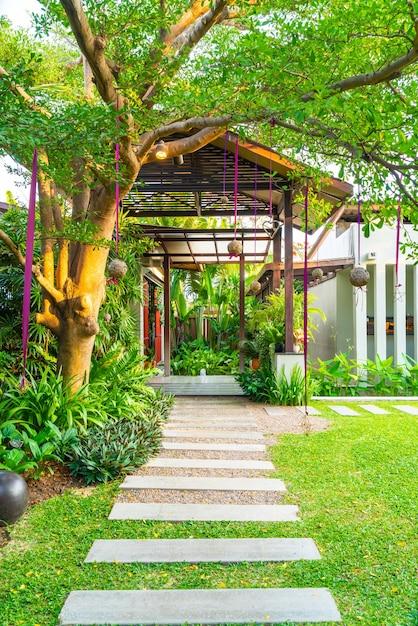 Beautiful gardening with walkway Premium Photo