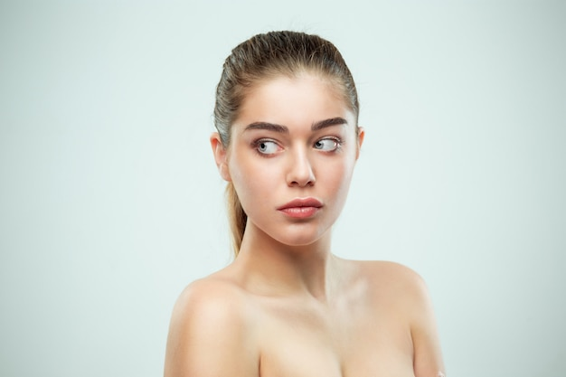美しい少女の顔。完璧な肌 無料写真