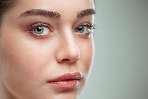 아름다운 소녀 얼굴. 완벽한 피부 무료 사진