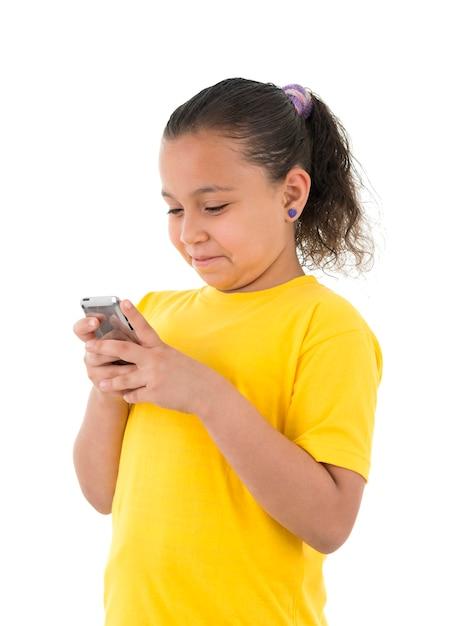 Красивая девушка мобильных текстовых сообщений Premium Фотографии