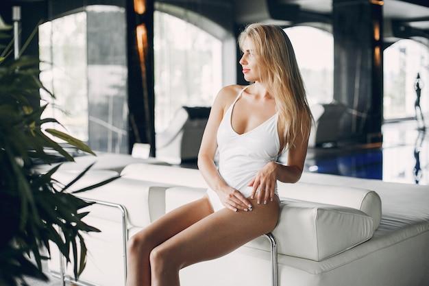 Beautiful girl relaxing in a spa salon Free Photo