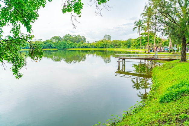 Beautiful green park with lake , ang kaew at chiang mai universi Free Photo