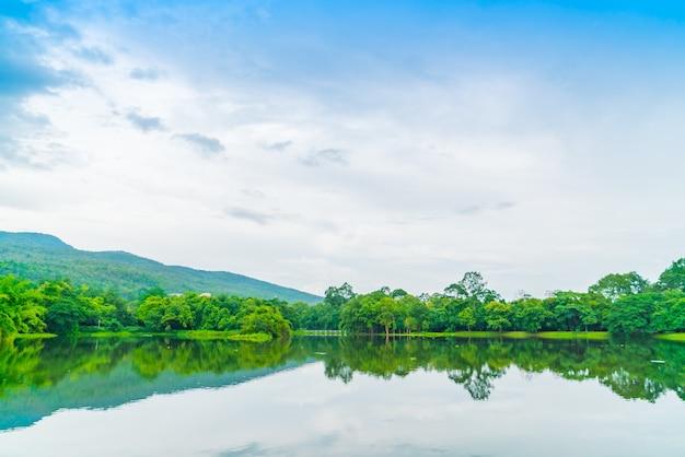 Beautiful green park with lake , ang kaew at chiang mai universi Free Photo