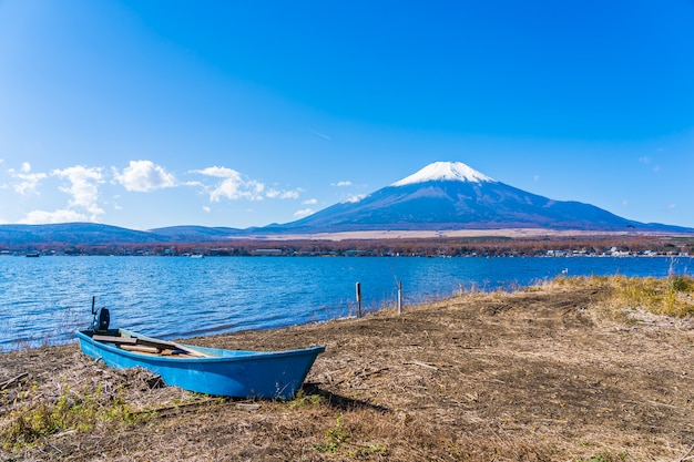 Beautiful landscape of mountain fuji around yamanakako lake Free Photo