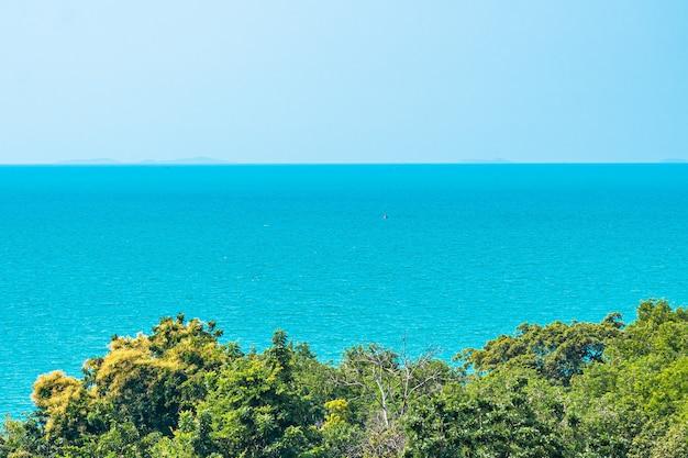 自然の背景のための海と海の美しい風景 無料写真