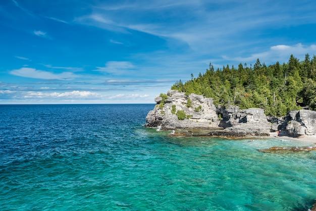 Beautiful landscape in tobermory, ontario, canada Premium Photo