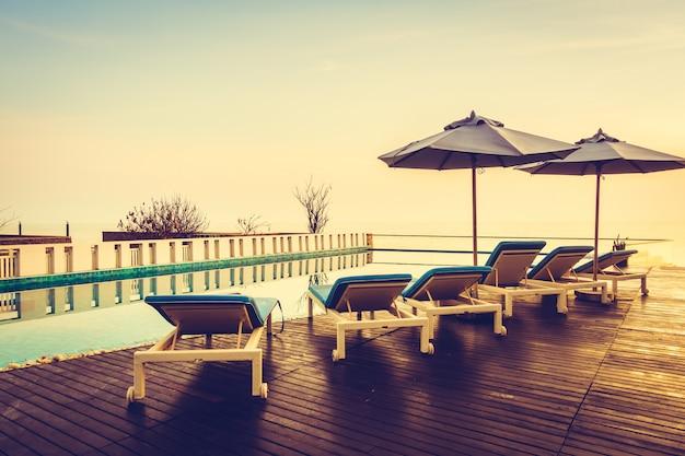 Beautiful luxury swimming pool Free Photo