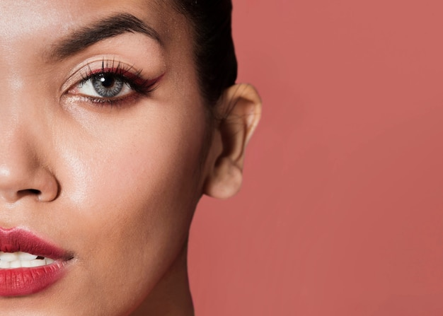 Beautiful model face with copy-space Free Photo