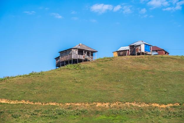 ジョージアの美しい山岳リゾート Premium写真