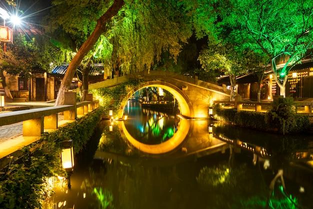 Beautiful night view of zhouzhuang, an ancient town in jiangsu province Premium Photo