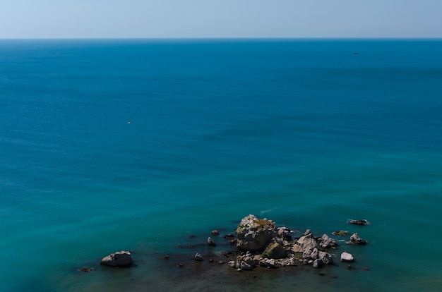 Beautiful panoramic natural view of the sea. Premium Photo