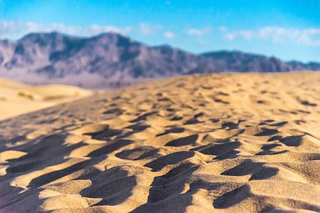 Красивые пейзажи плоских песчаных дюн мескит, долина смерти, калифорния Бесплатные Фотографии