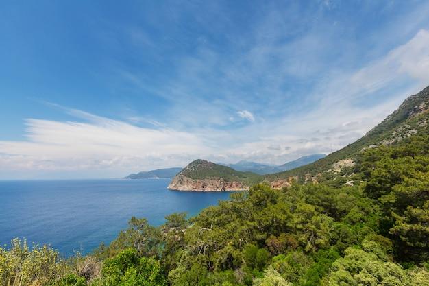 Premium Photo | Beautiful sea coast in turkey. amazing natural landscapes  along lycian hiking way.