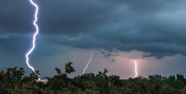 Beautiful shot of a lightning strike in zagreb, croatia Free Photo