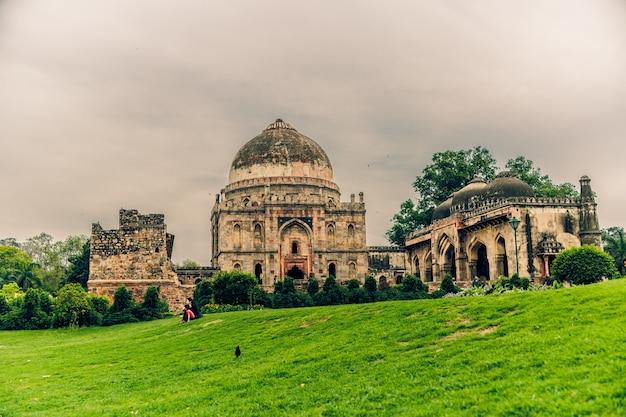 Beautiful shot of lodhi garden in delhi india under a cloudy sky Free Photo