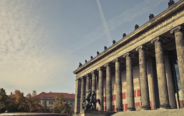 ドイツ、ベルリンのアルテス美術館の美しいショット 無料写真