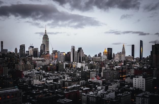 Красивый снимок заката в нью-йорке Бесплатные Фотографии