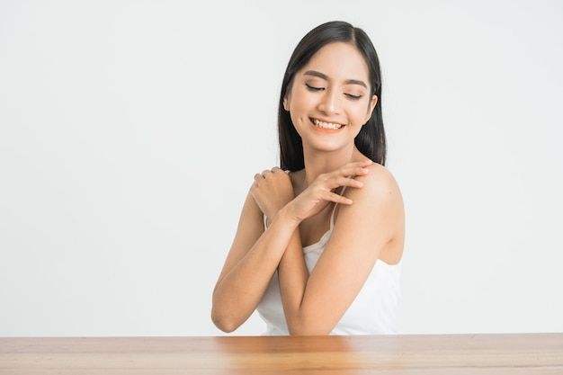https://image.freepik.com/free-photo/beautiful-skin-care-woman-face-smile-you-with-white-wall-asian-beauty_8595-21032.jpg