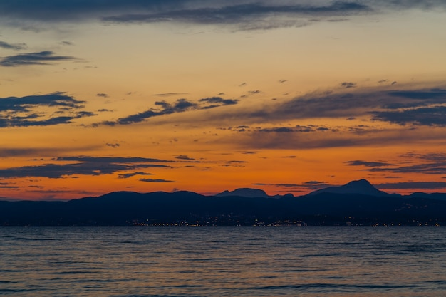 Beautiful sky landscape at dusk Premium Photo