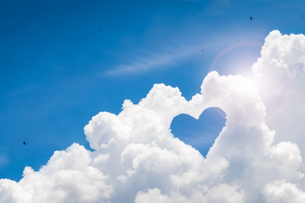 Beautiful sky with love background. happy concept and freedom style. Premium Photo