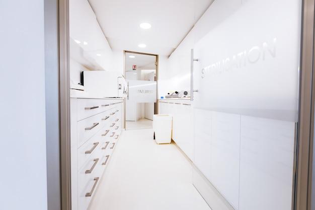 Beautiful stylish white office of a successful doctor Free Photo