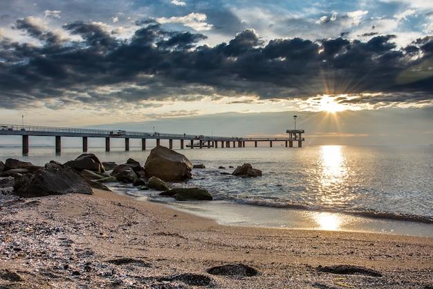Beautiful Sunrise on the beach Premium Photo