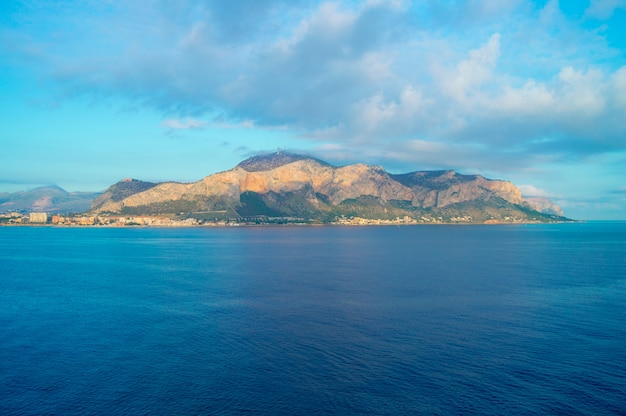 Beautiful sunrise over palermo, panorama of the city from the sea Premium Photo
