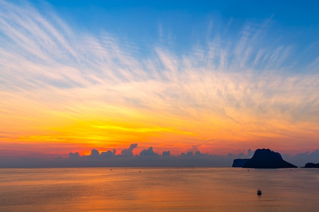 Beautiful sunrise over the sea at prachuap khiri khan province , southern of thailand Premium Photo