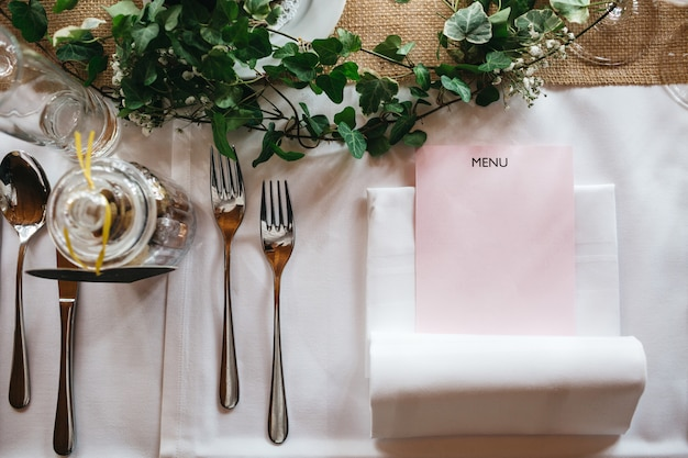 Beautiful table decor in the restaurant Free Photo