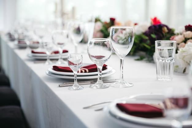 Beautiful table decoration for celebration Free Photo