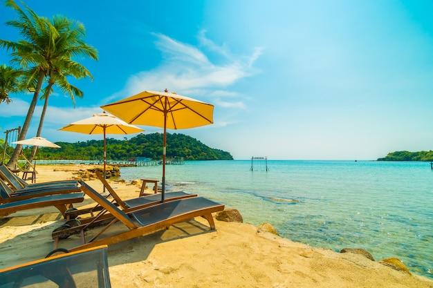 아름다운 열대 해변과 바다 무료 사진