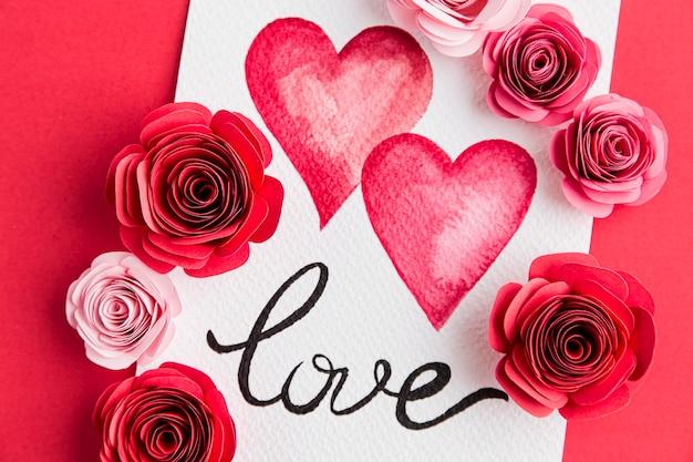 Красивая концепция дня святого валентина с розами Бесплатные Фотографии