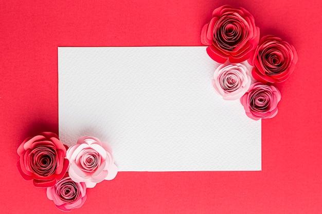 バラと美しいバレンタインデーのコンセプト Premium写真