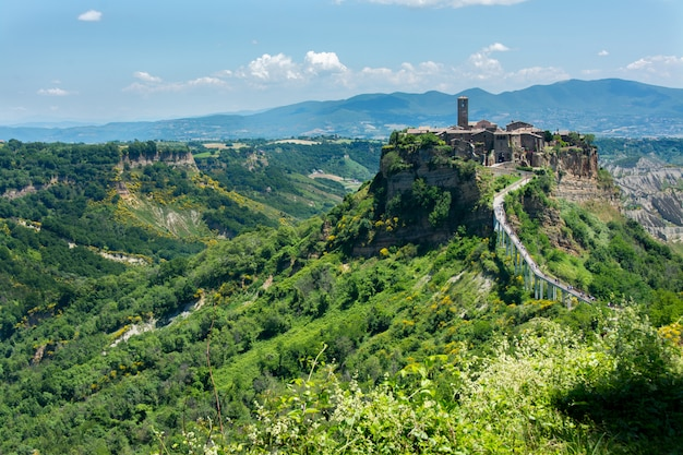 Beautiful view on the famous dead town of civita di bagnoregio, italy Premium Photo