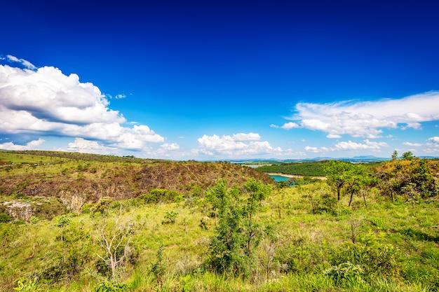 Beautiful view of furnas canyons, capiltolio - minas gerais, brazil Premium Photo