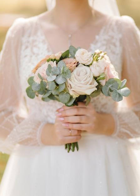 花の美しいウェディングブーケ 無料写真