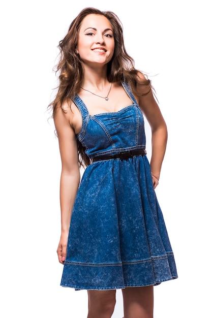 흰색 배경에 고립 드레스에서 아름 다운 여자 무료 사진