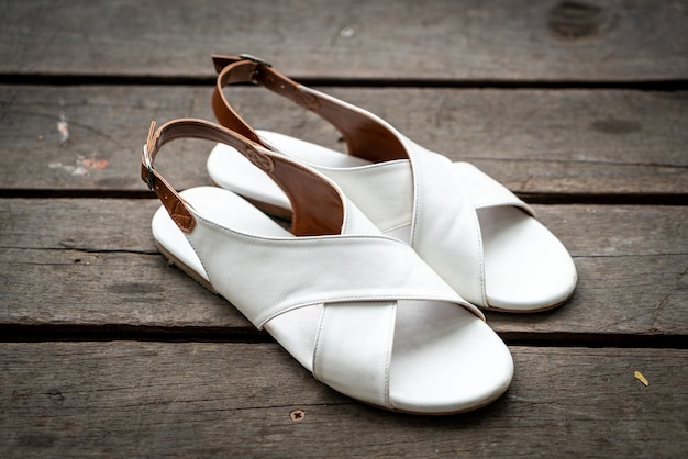 美しい女性の革の靴 Premium写真